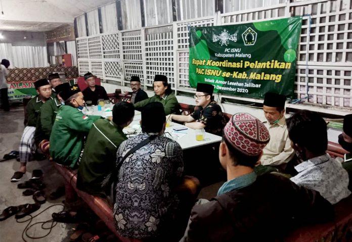 Hujan Deras, Pengurus ISNU se-Kab Malang Tetap Semangat Hadiri Rakor